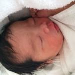 帝王切開で2,560gの男の子が誕生しました。きよみさん(仮名・35歳・茨城)